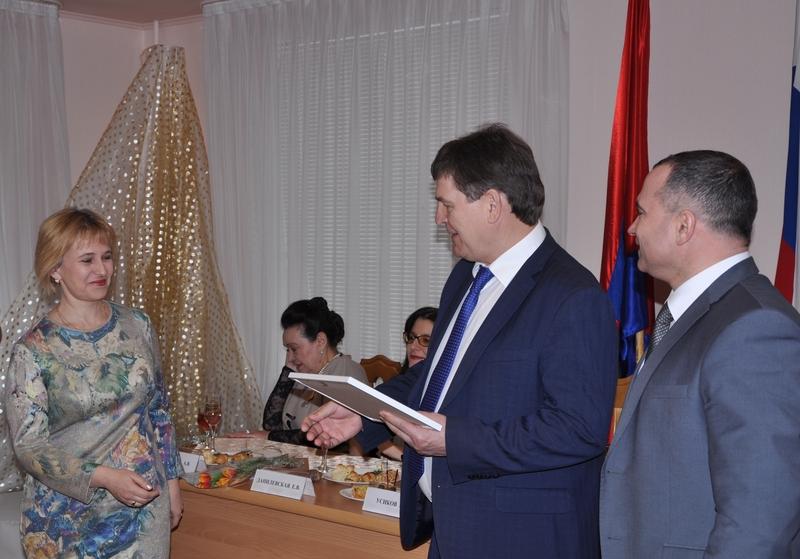Алексей Гордеев иВладимир Нетёсов поздравили работников культуры спрофессиональным праздником