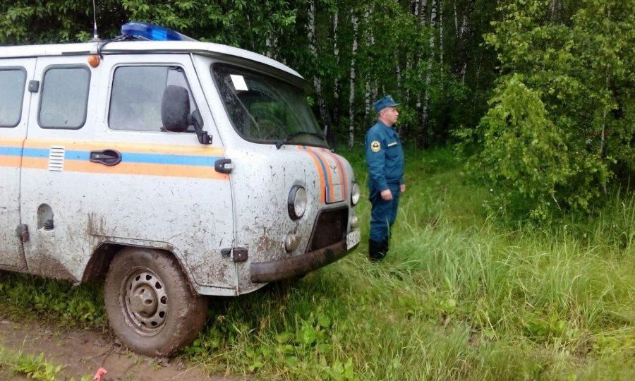 Cотрудники экстренных служб отыскали потерявшегося влесу вОрловской области грибника