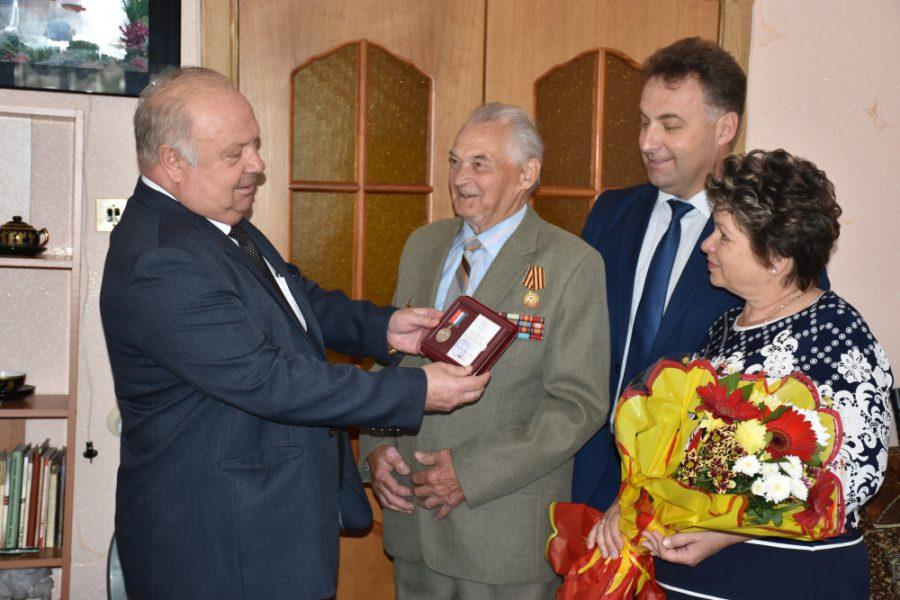 юбилейным знаком 70 лет орловской области