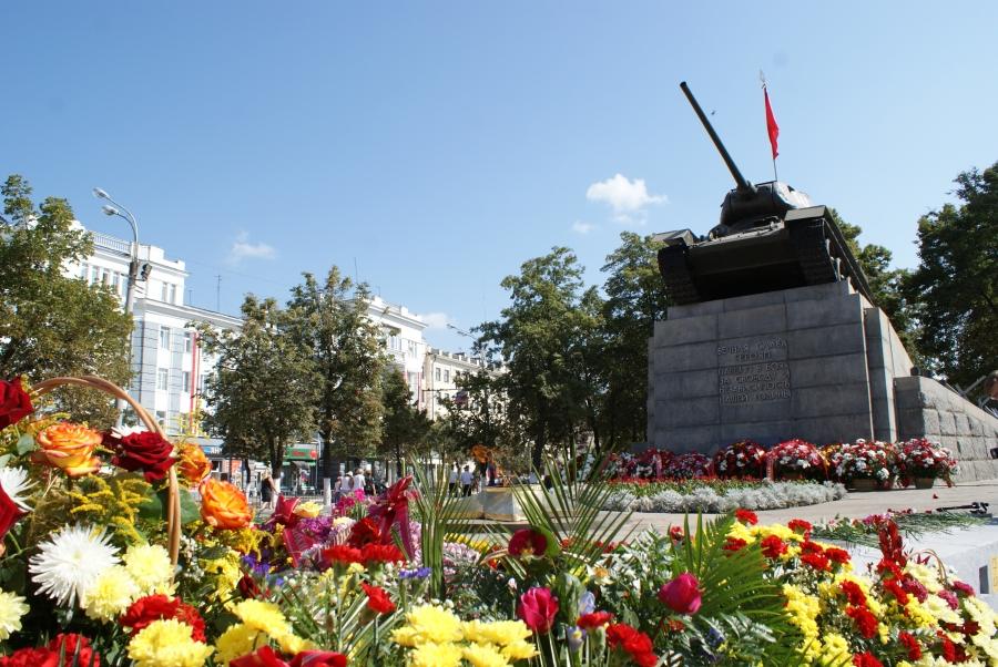 сквер танкистов рисунок картину фотографией
